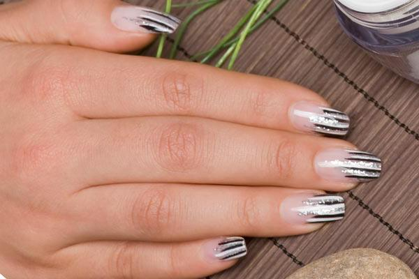 Поперечные полоски на ногтях причины