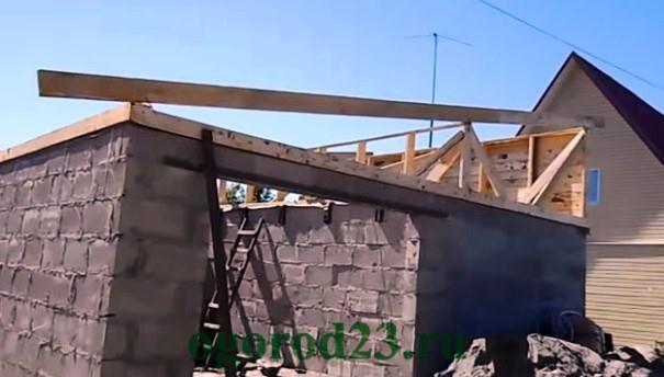 Строительство односкатной крыши своими руками видео