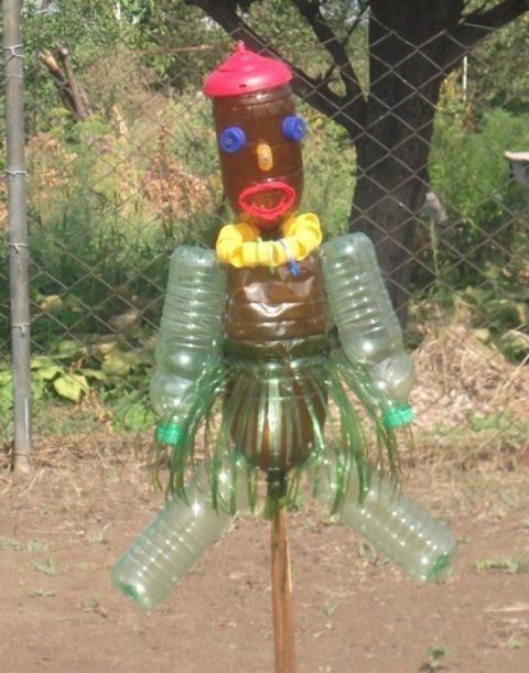 Пугало от птиц из пластиковых бутылок