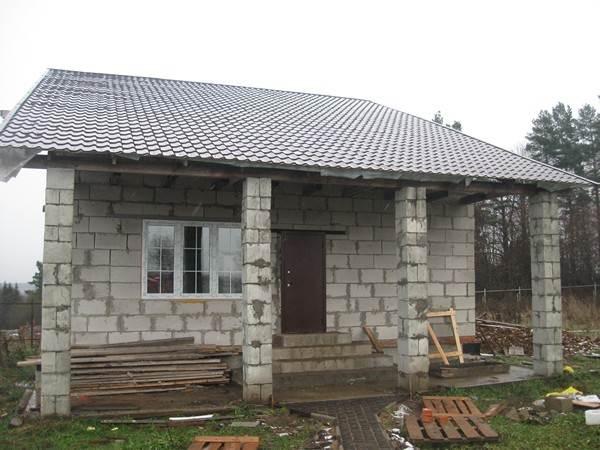 Строим дачный дом из пеноблока своими руками