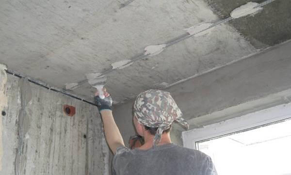 Как штукатурить бетонные стены своими руками новичку