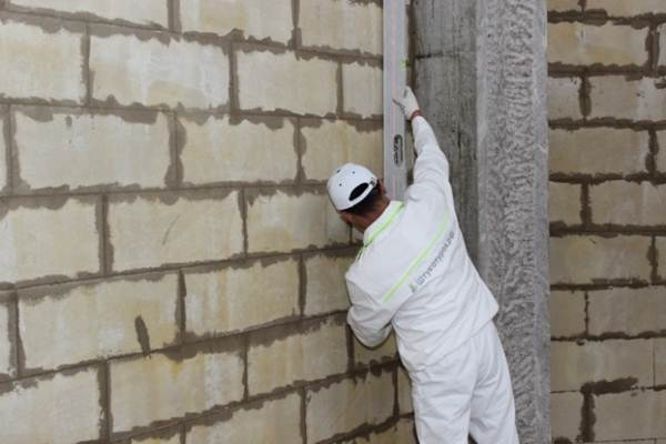 Видео штукатурка стен из газобетона внутри помещения своими руками