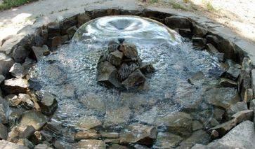 Фото фонтанов из камня