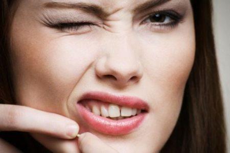Водянистые прыщи на лице причины и лечение